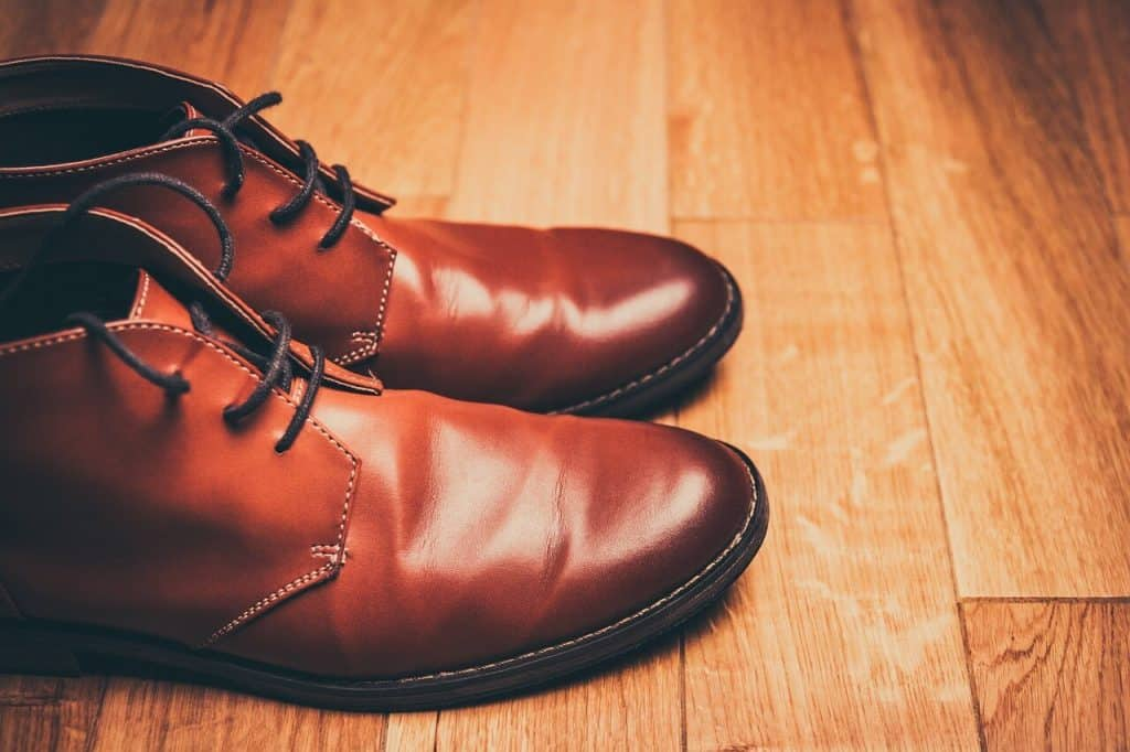 Para skórzanych butów