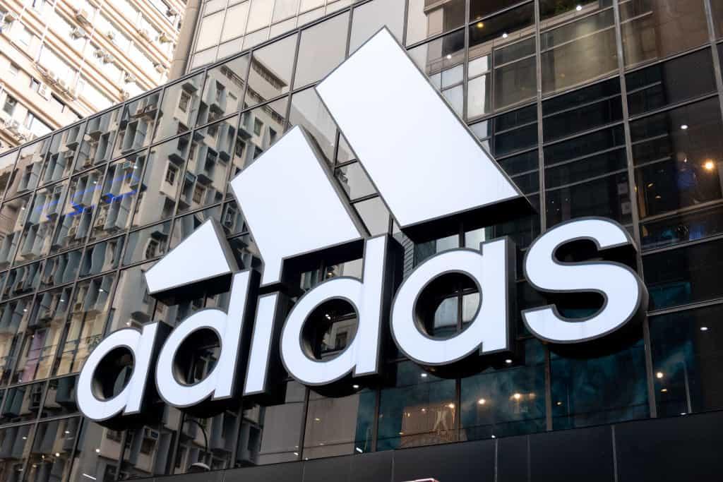 ASMR w 12-godzinnym klipie Adidasa. Absurd czy wciągające doświadczenie?