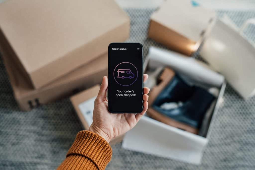 Telefon z informacją o dotarciu przesyłki