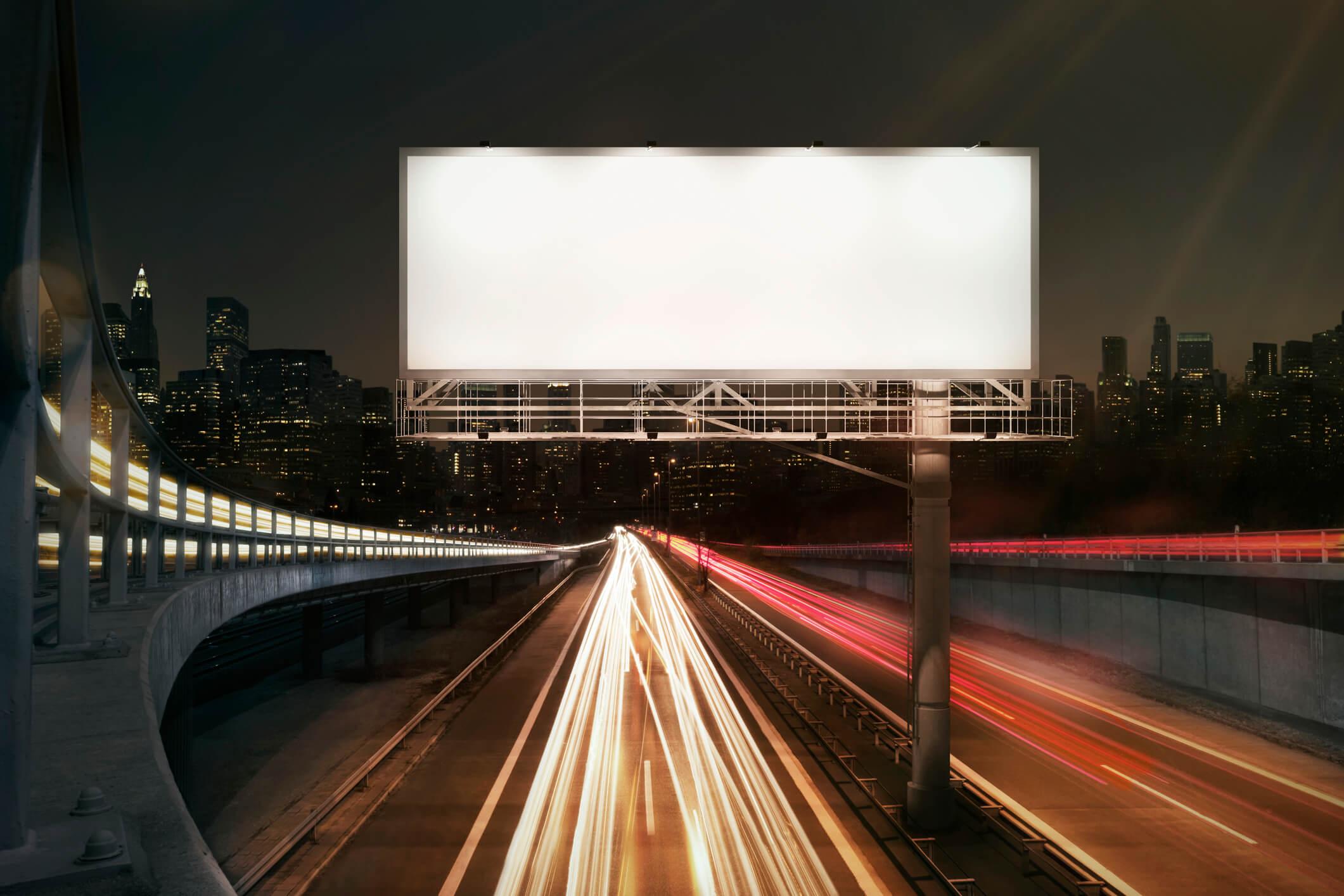 Bądź widoczny w outdoorze, czyli o formach reklamy zewnętrznej